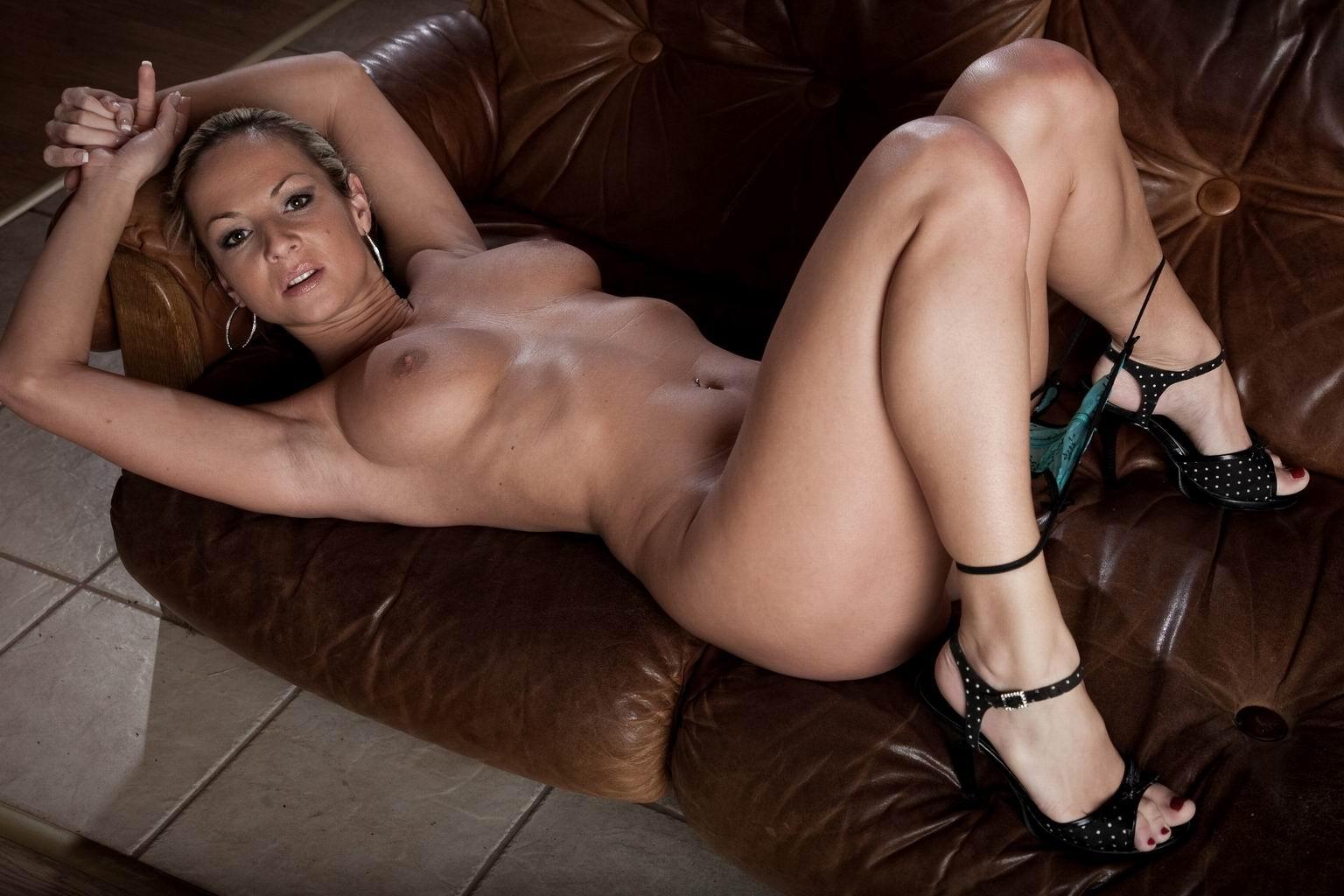 Раздетые женщины в возрасте фото 22 фотография