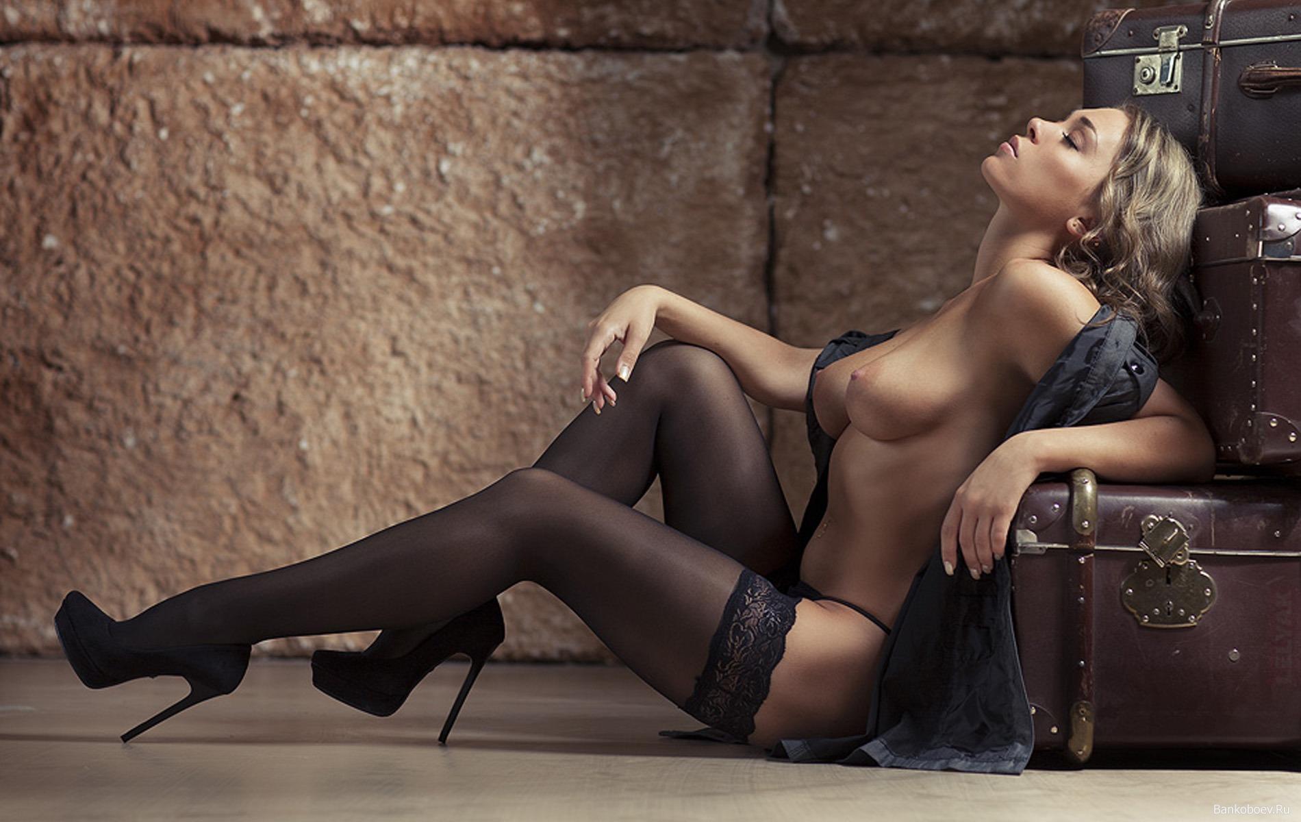 Фото эротика женщины красивые 11 фотография